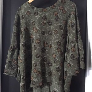 Tops - Bell sleeve blouse - olive color